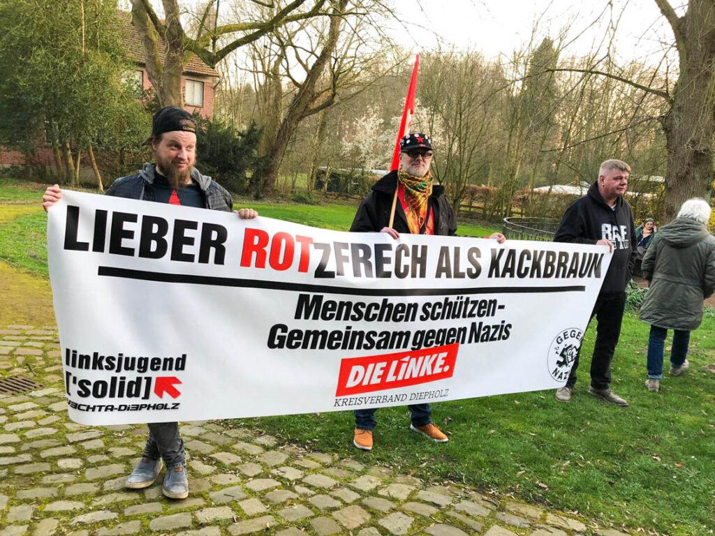 Gemeinsam-gegen-Nazis-Menschen-schuetzen